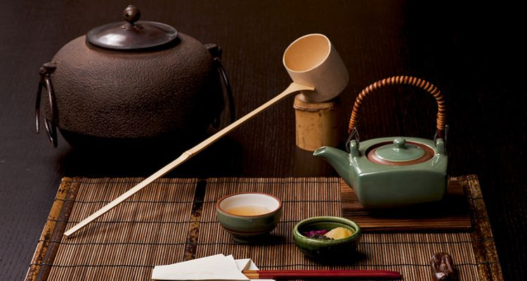 Traditional Japanese Tea Ceremony: Sado | tsunagu Japan