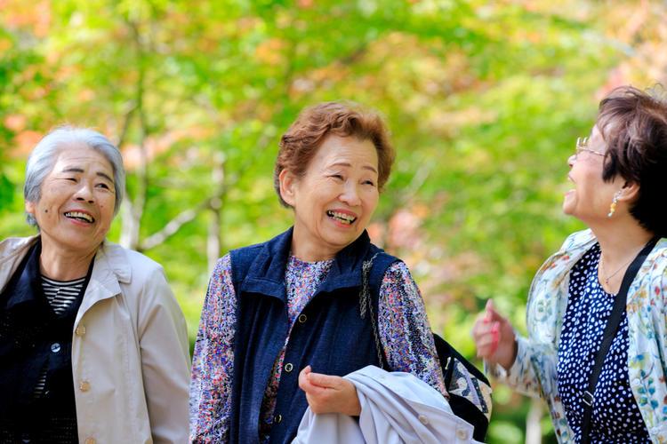 Why Do Japanese People Have Long Lifespans? | tsunagu Japan