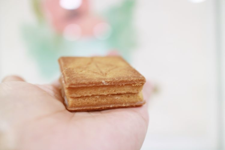 press butter sandwich