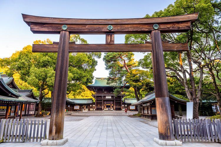 meiji jingu tokyo shrine harajuku torii gate