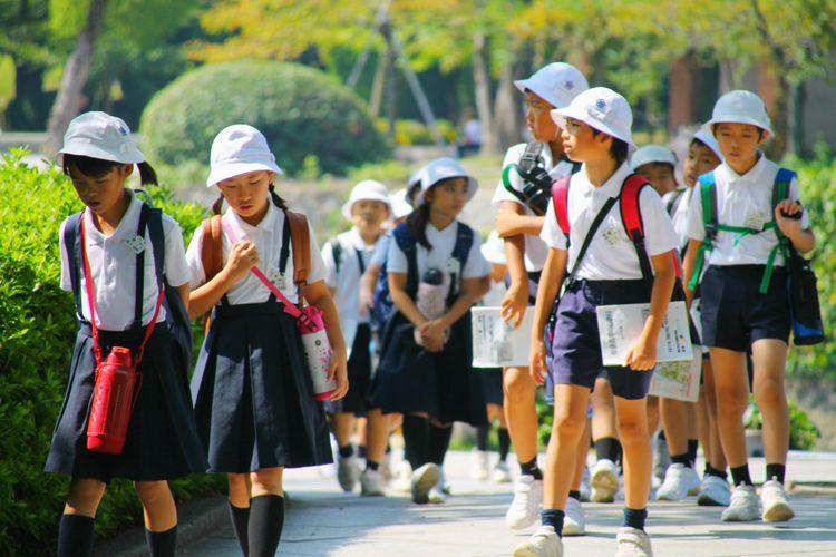 elementary school japanese kids