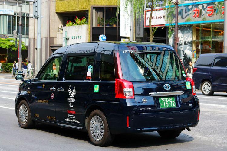 japan taxi black