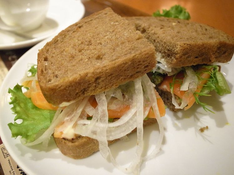 Ueshima Coffee's coffee and sandwich
