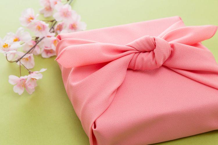 Furoshiki wrapped around a bento box