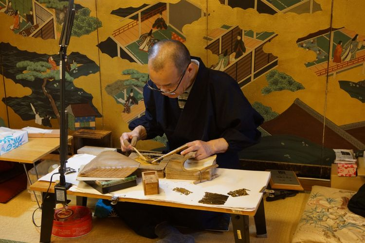 Japanese Artisan making gold leaf
