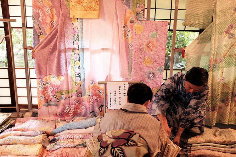 Craftspeople making kimono