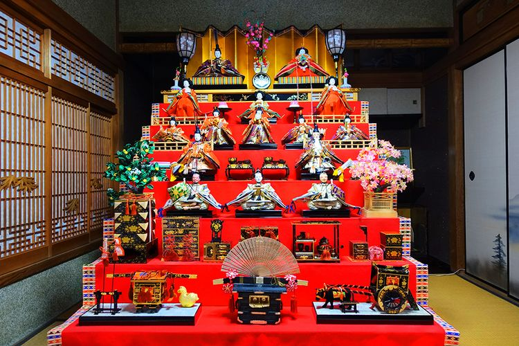 hina doll nanadan kazari display