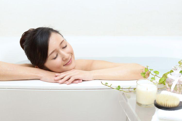 japanese lady in a bath