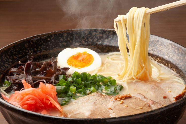a bowl of hakata tonkotsu ramen