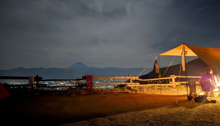 ほったらかし露營場營帳與夜景