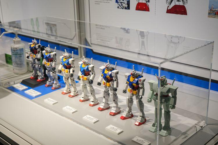 鋼彈工廠內部陳列鋼彈小模型