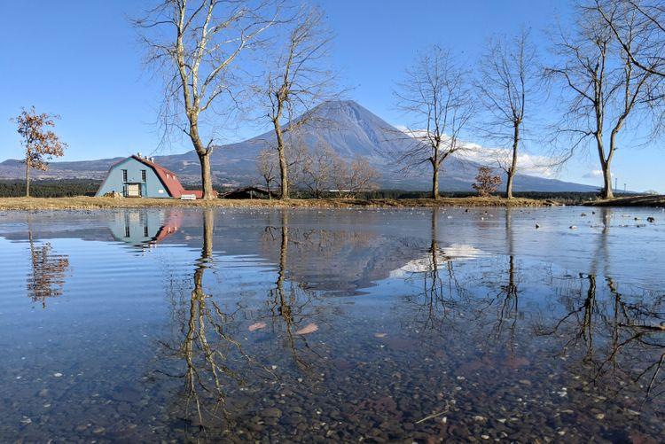 ふもとっぱら與富士山湖景倒影