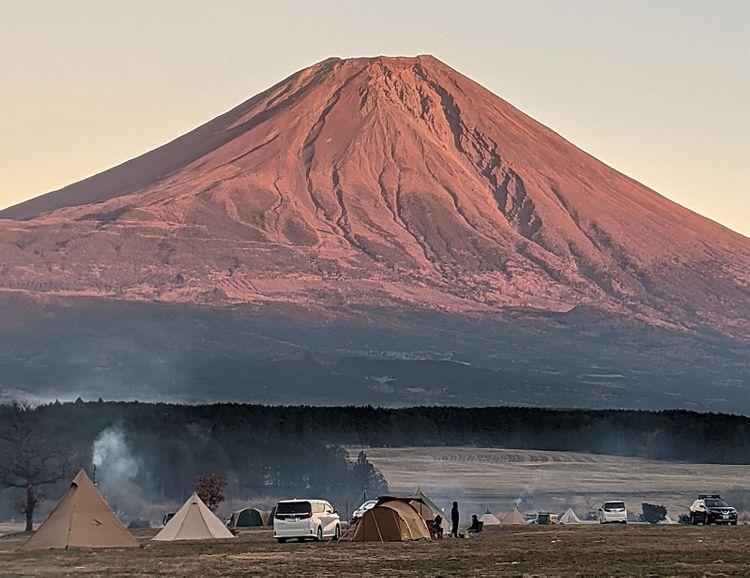ふもとっぱら營地與富士山