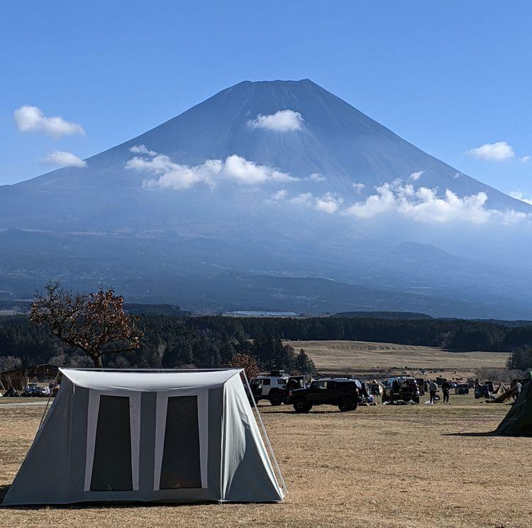 ふもとっぱら露營場與富士山