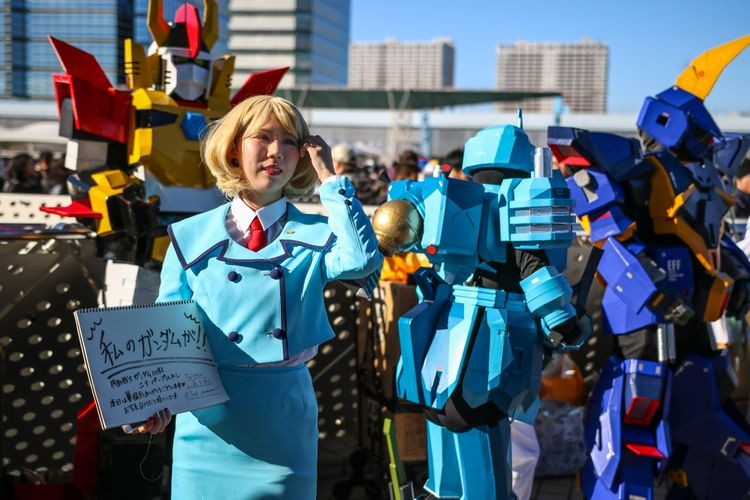 Cosplayers at Comiket