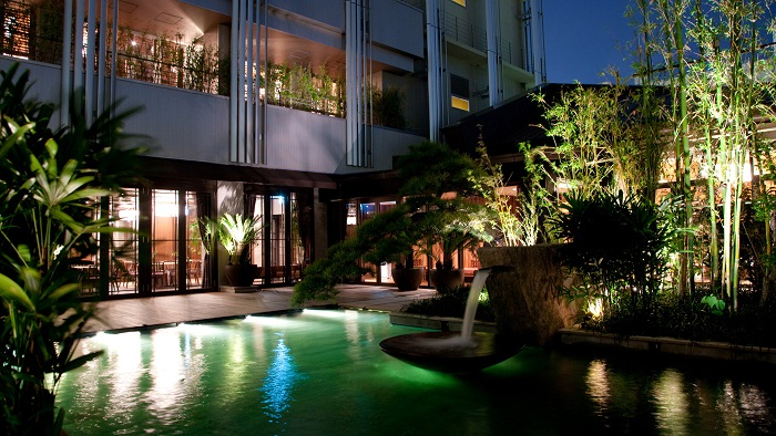 17. Oriental Hotel 2