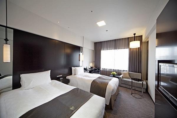 20. Royal Park Hotel 1