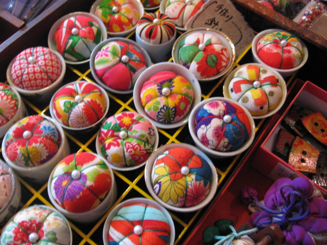 10 Must Buy Traditional Japanese Accessories For Souvenirs