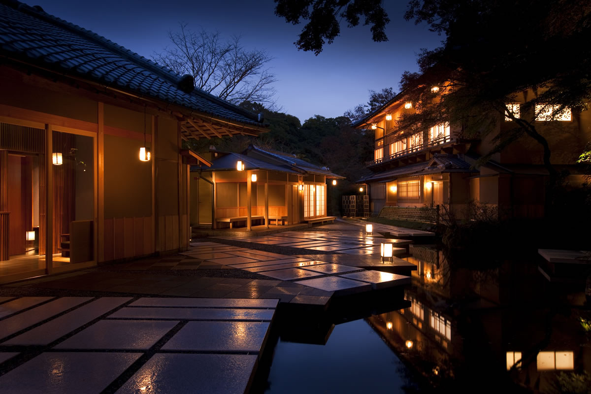 20 best japanese ryokan inns for a blissful stay in kyoto for Home zone wallpaper blackheath