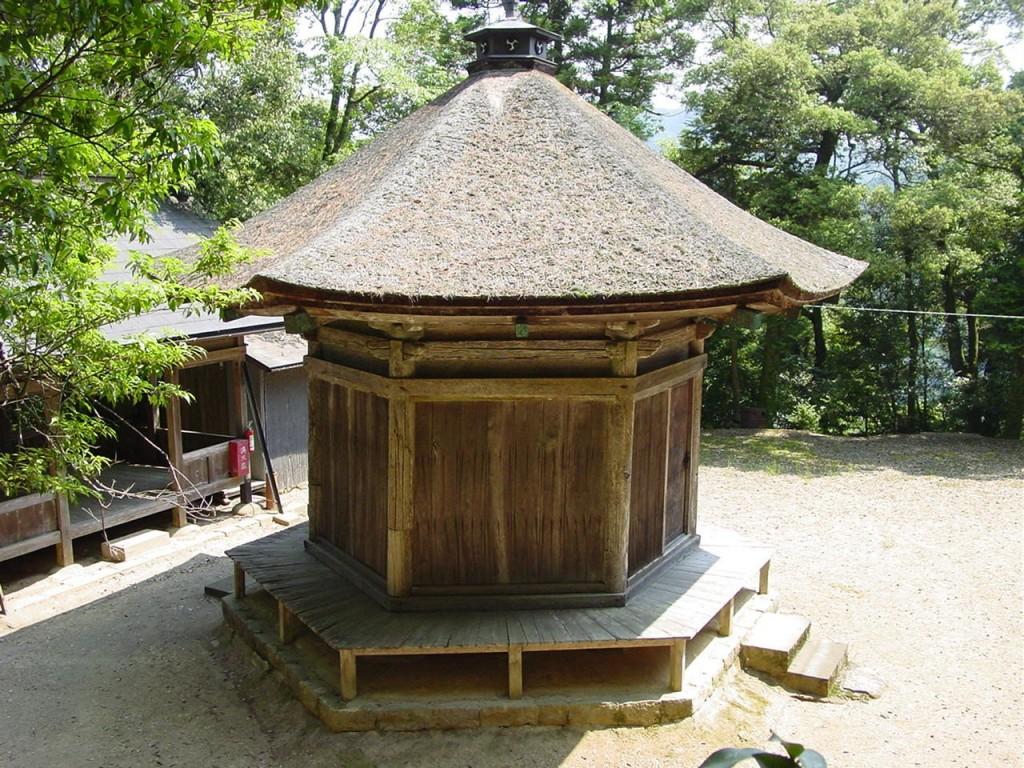 13鹿苑寺地蔵堂