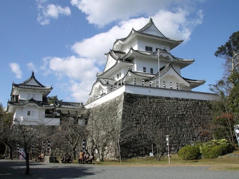 3. 上野城