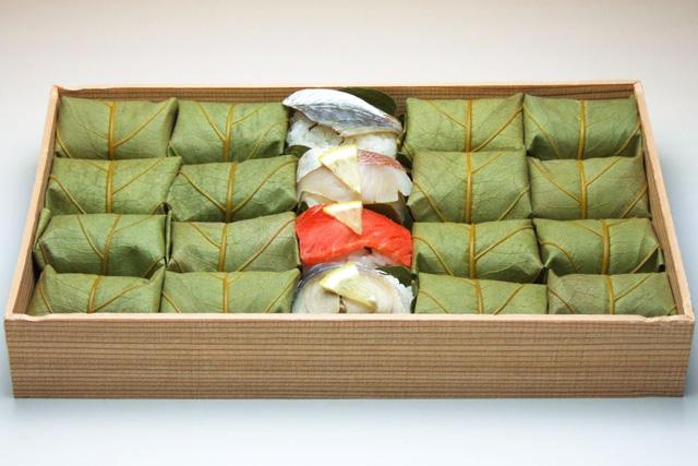 8. 柿の葉寿司