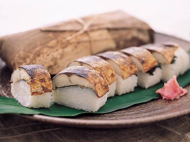 8. 焼きさば寿司