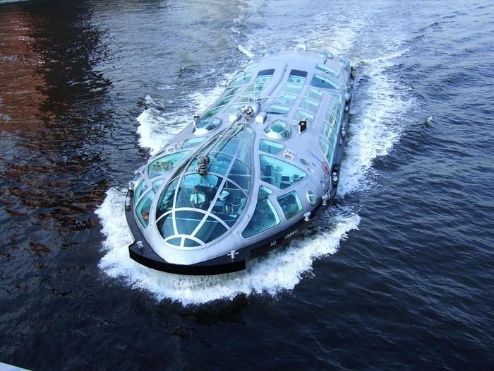9. Cruising on the liner designed by Leiji Matsumoto
