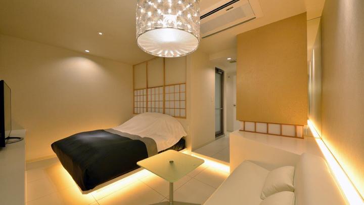 10 phenomenal luxury love hotels in tokyo to beat high for Design hotel iroha roppongi