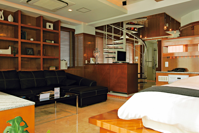 10 phenomenal luxury love hotels in tokyo to beat high for Design hotel iroha