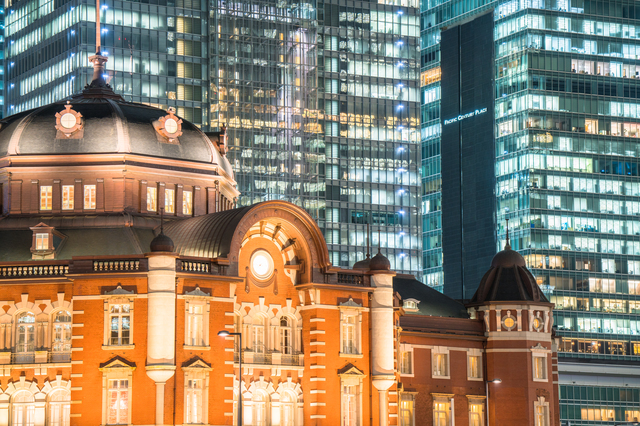 pixta_22326754_S_【東京】丸の内オフィス街の夜景