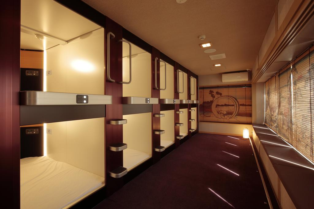look here for capsule hotels in shibuya 6 recommended selections tsunagu japan. Black Bedroom Furniture Sets. Home Design Ideas