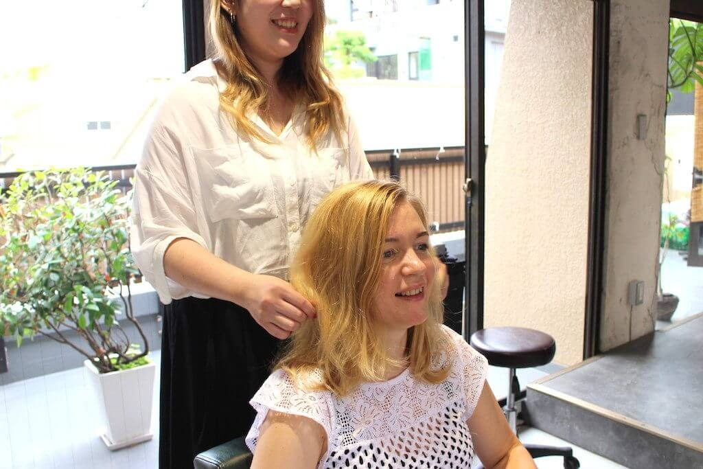 5 A girl getting her hair fix