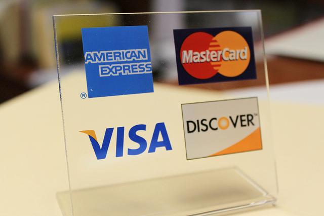 7 credit cards' logo